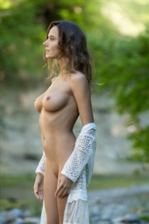 Fernanda B, sex in France - 12636