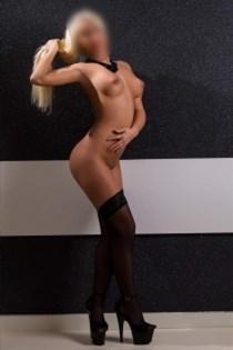 Hawgin, horny girls in Italy - 13861