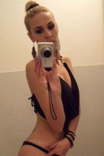 Iris Annika, horny girls in Italy - 5629